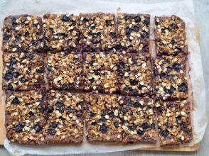 granolový koláč s borůvkami1
